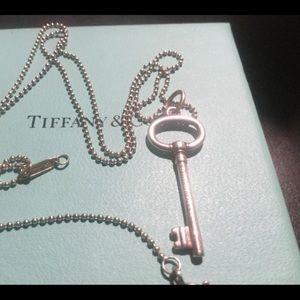 "Tiffany&Co Small Sterling Key 20""Chain"